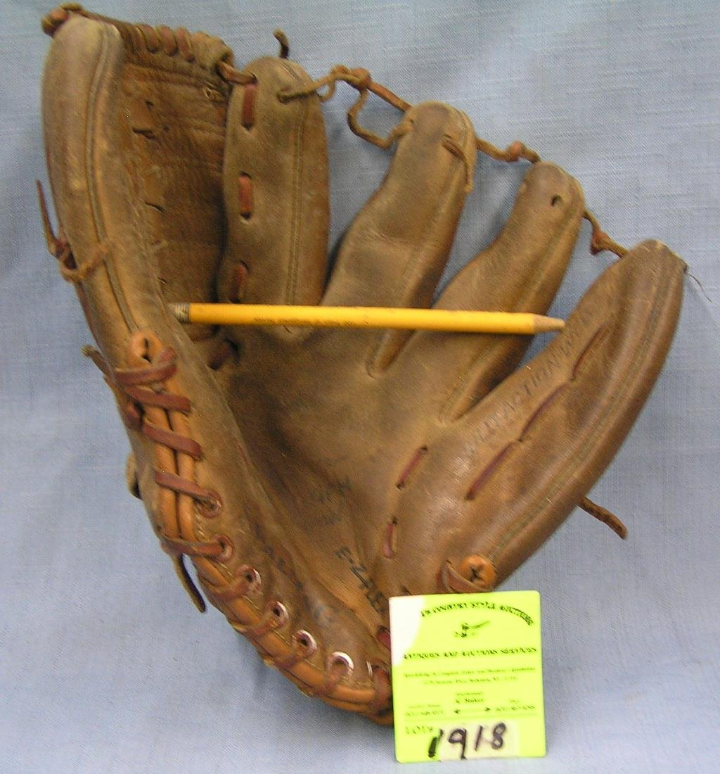 Vintage leather Tom Seaver baseball glove