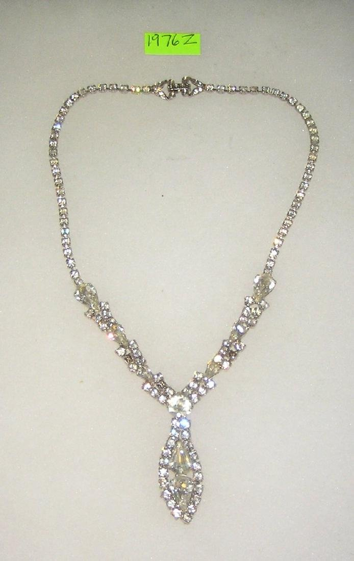 High quality jewel decorated necklace