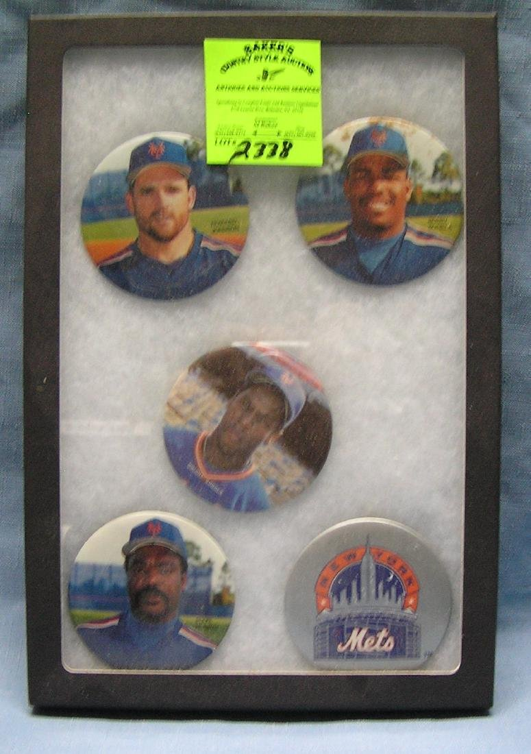Collection of vintage NY Mets pin back buttons