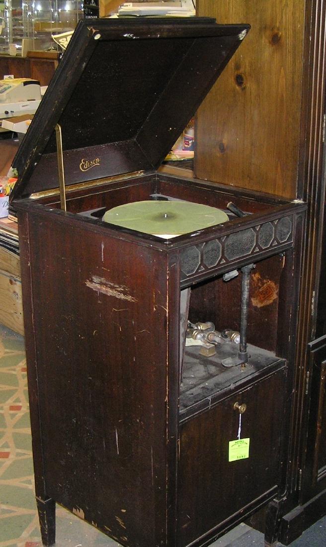 Thomas Edison diamond disk phonograph
