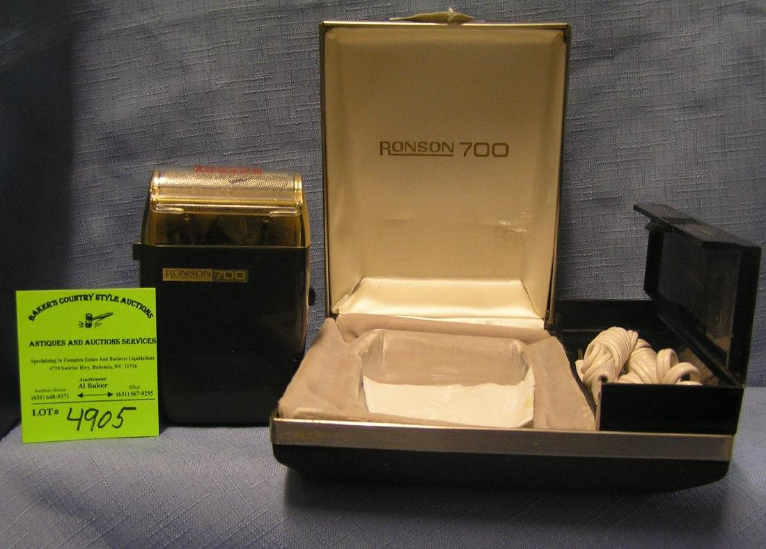 Vintage Ronson 700 shaving kit with original case