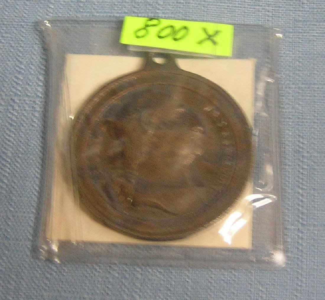 George Washington pictorial medallion