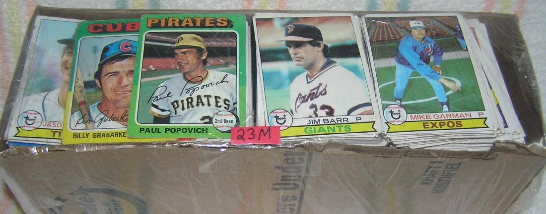 Box of over 1000 vintage baseball cards