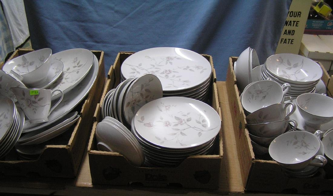 Narumi of Japan fine china dinnerware set