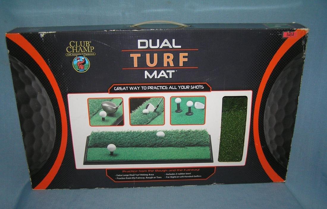 Dual turf practice golfing mat