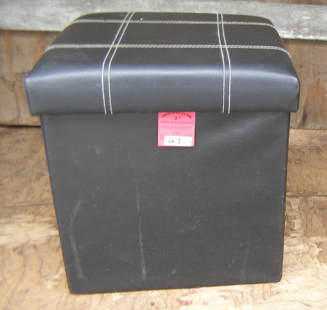 Upholstered hassock with storage compartment