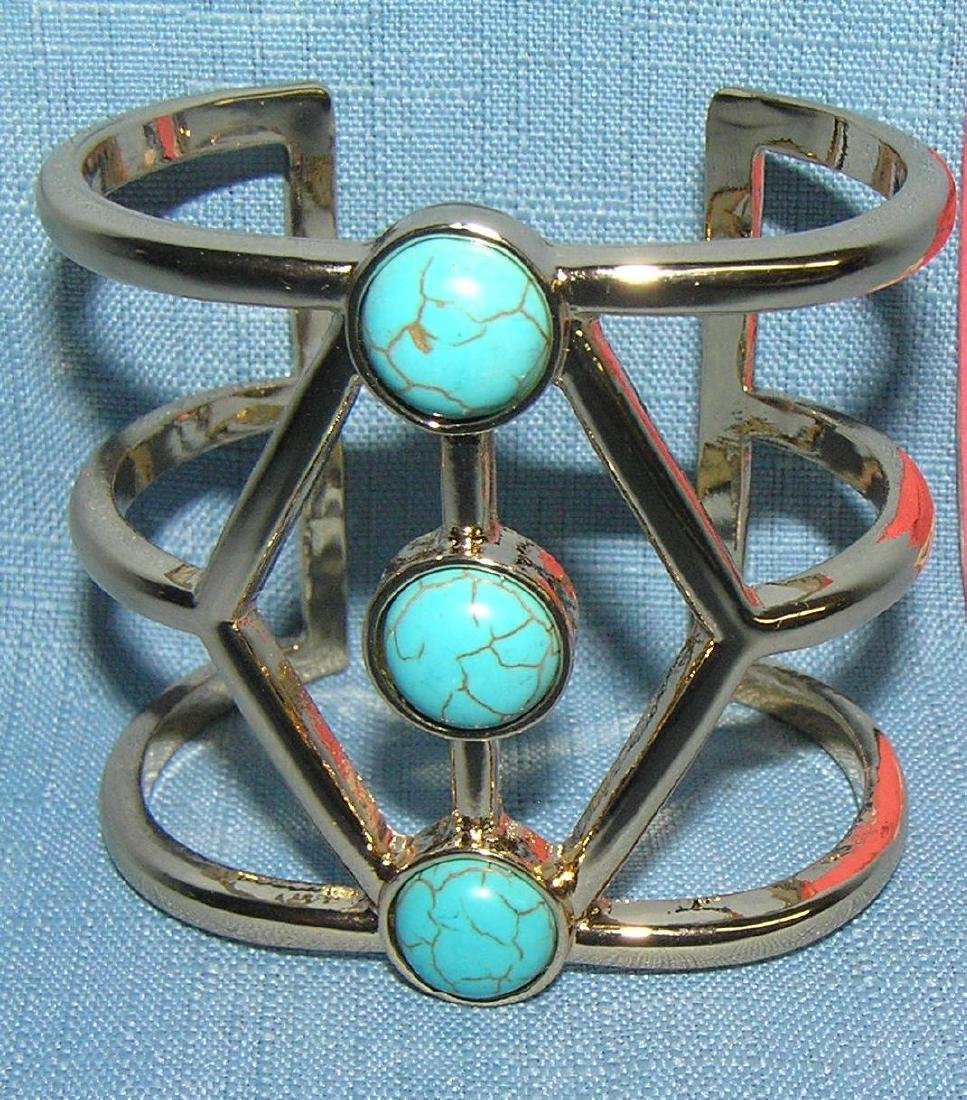 Turquoise and gold tone bracelet