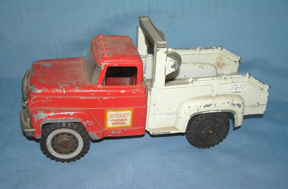 Hubley Mighty Metal tow truck