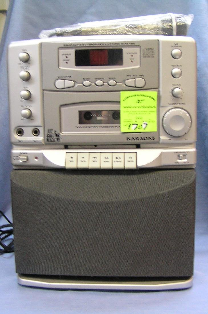 Compact disc digital karaoke machine