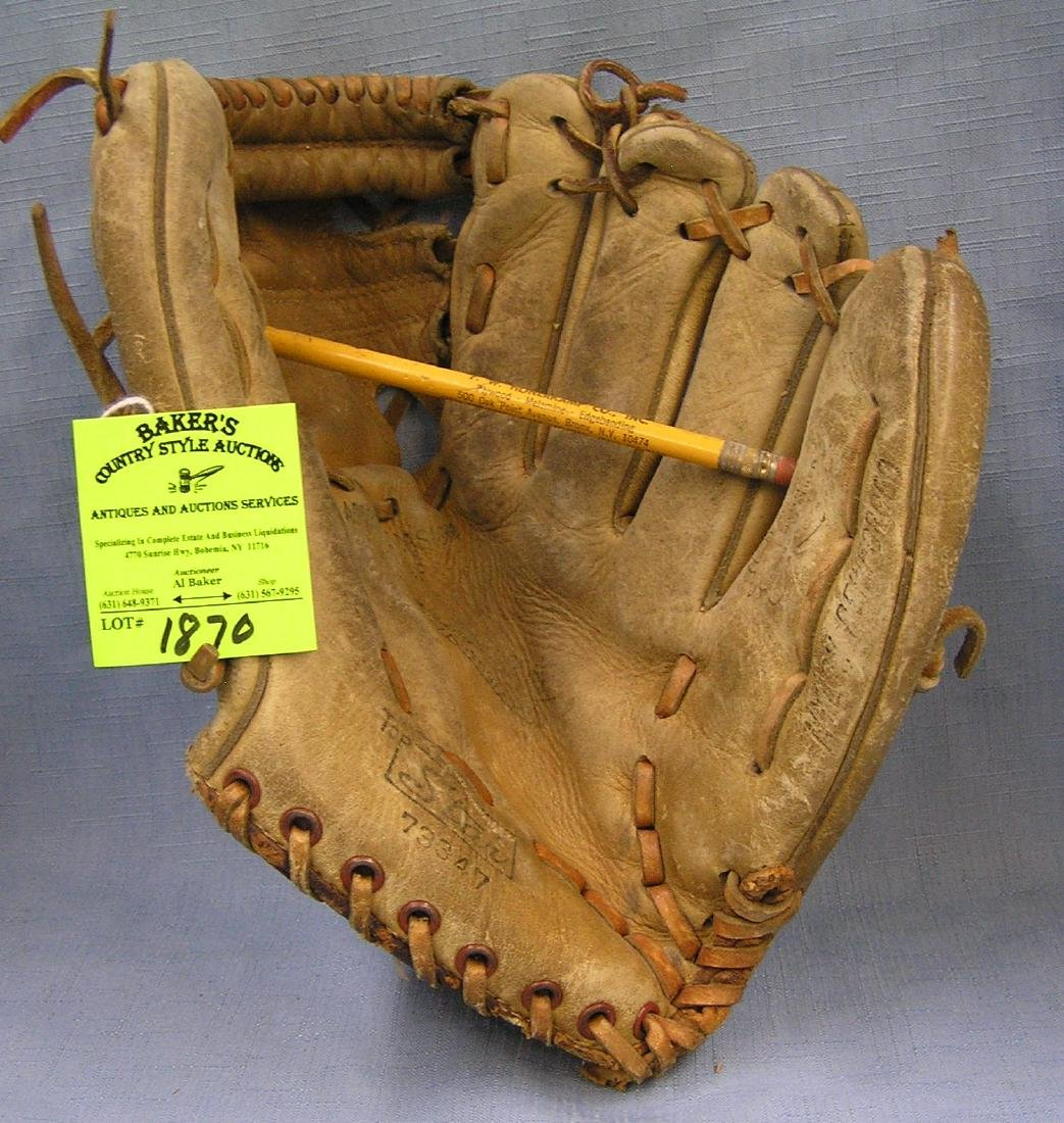 Vintage Leather Bobbie Shantz baseball glove