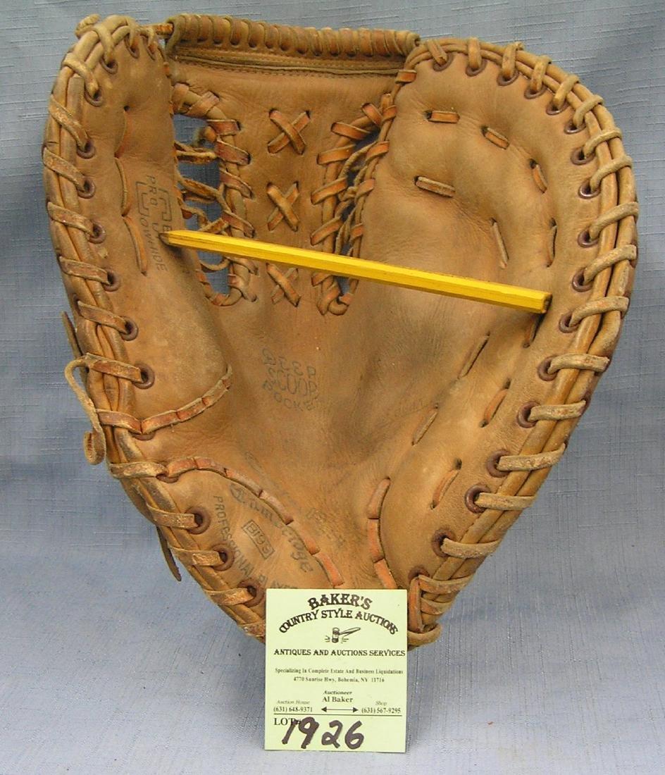 Early first baseman leather baseball glove