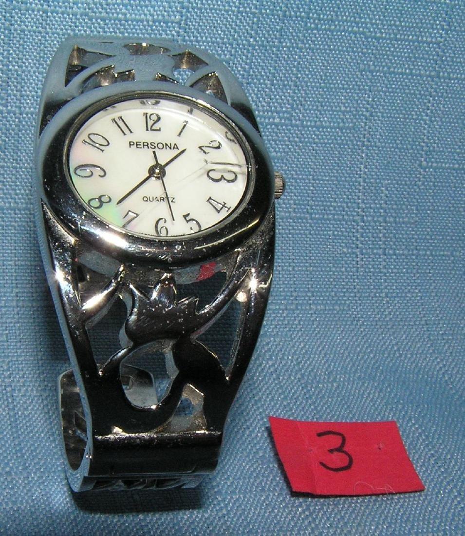 Quality quartz ladies silver tone bracelet watch