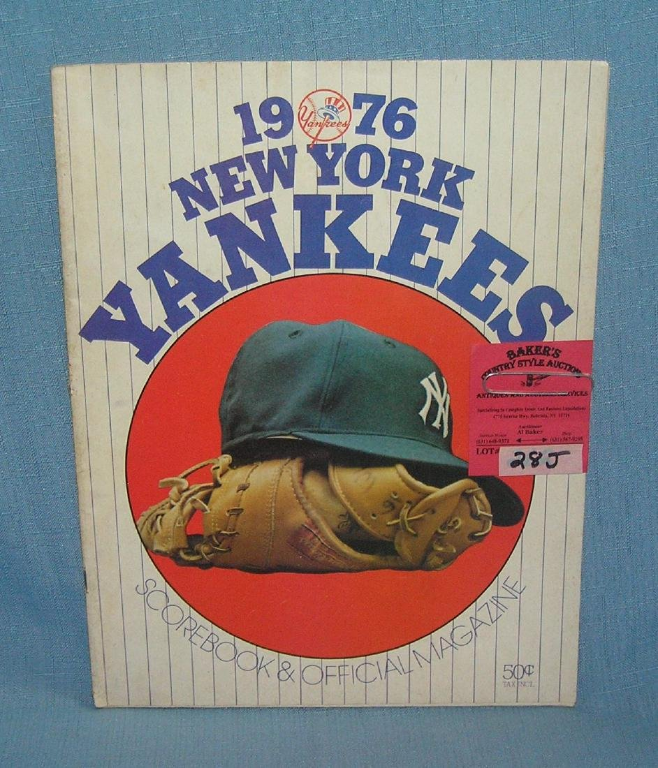 NY Yankees 1976 score book and official magazine