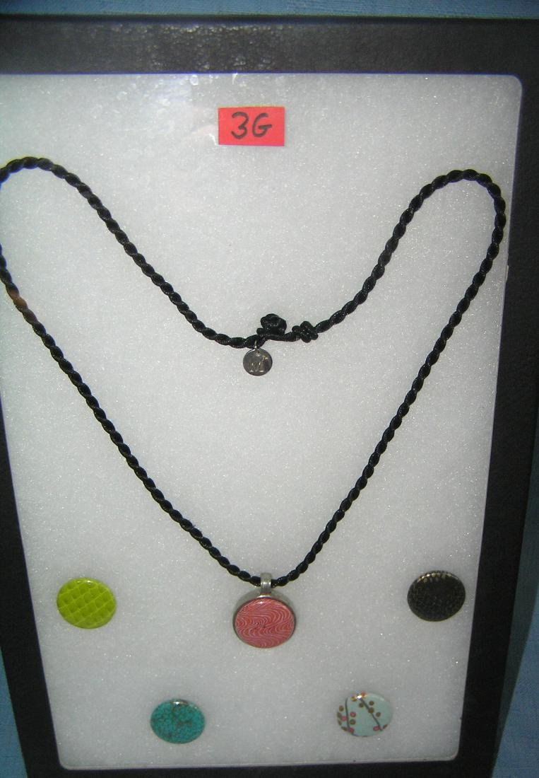 Fashion necklace with 5 interchangable magnetic