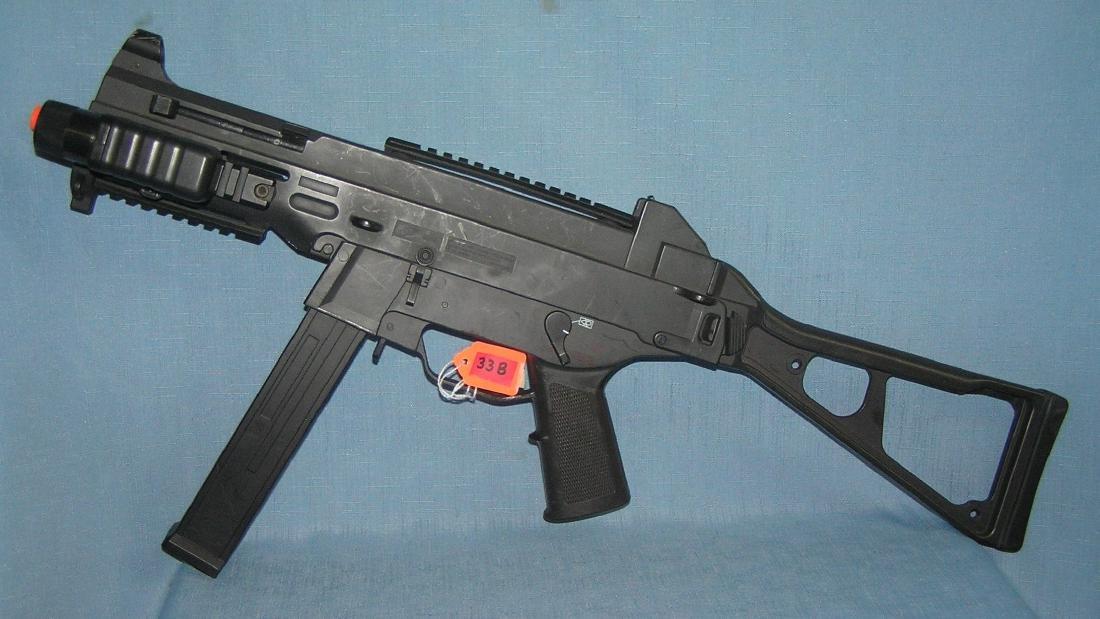 Airsoft BB machine gun
