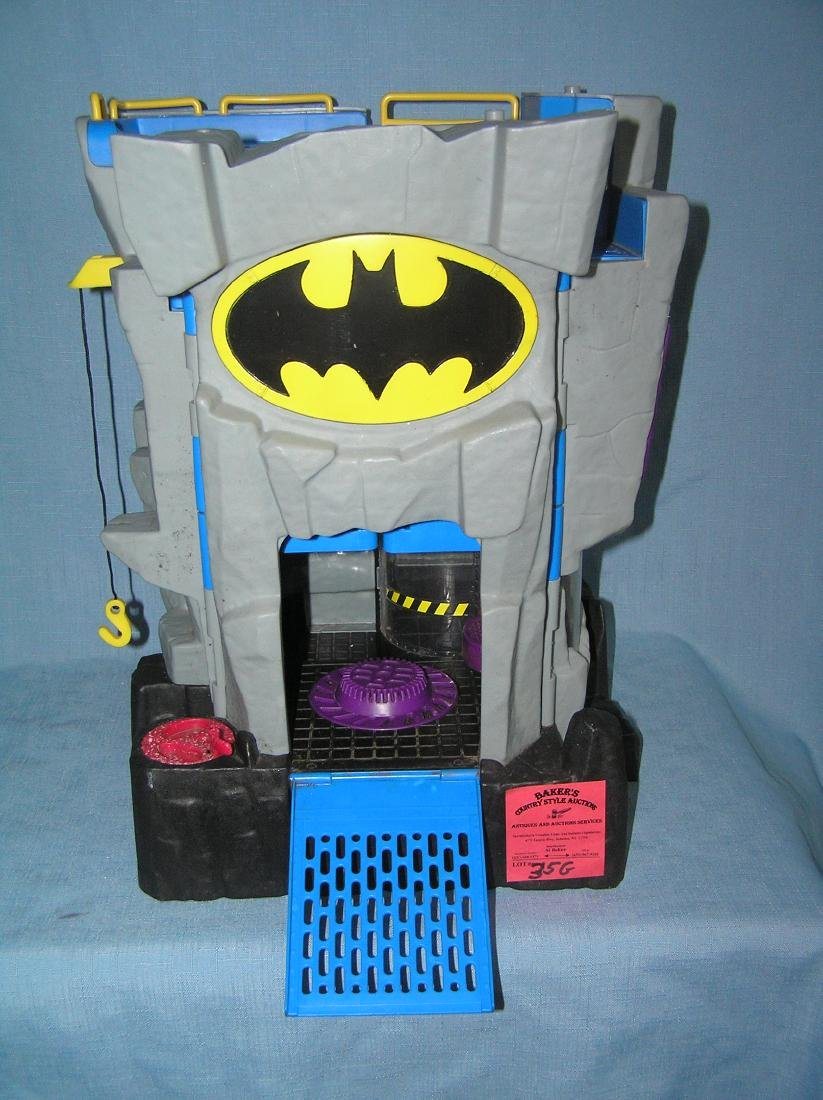 Batman Batcave headquarters playset by DC comics - 2
