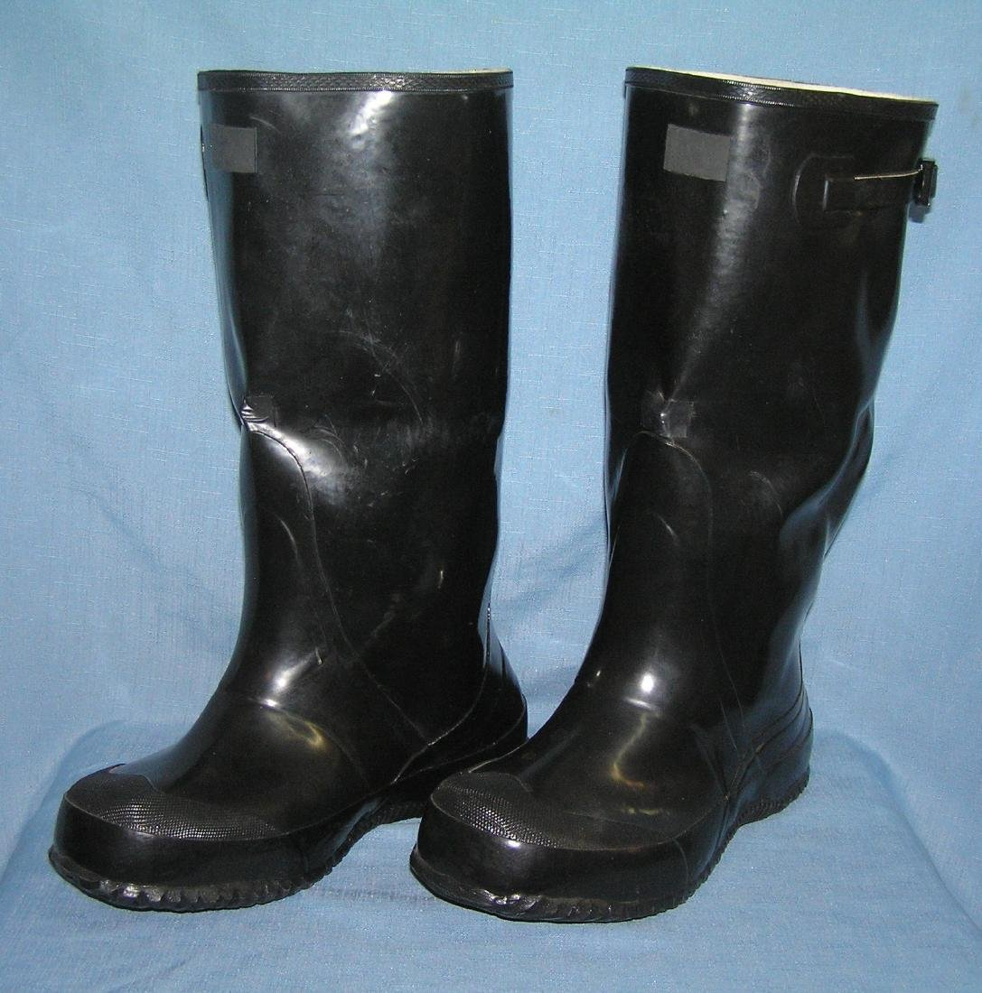 Size 10 water proof high top snow or rain boots