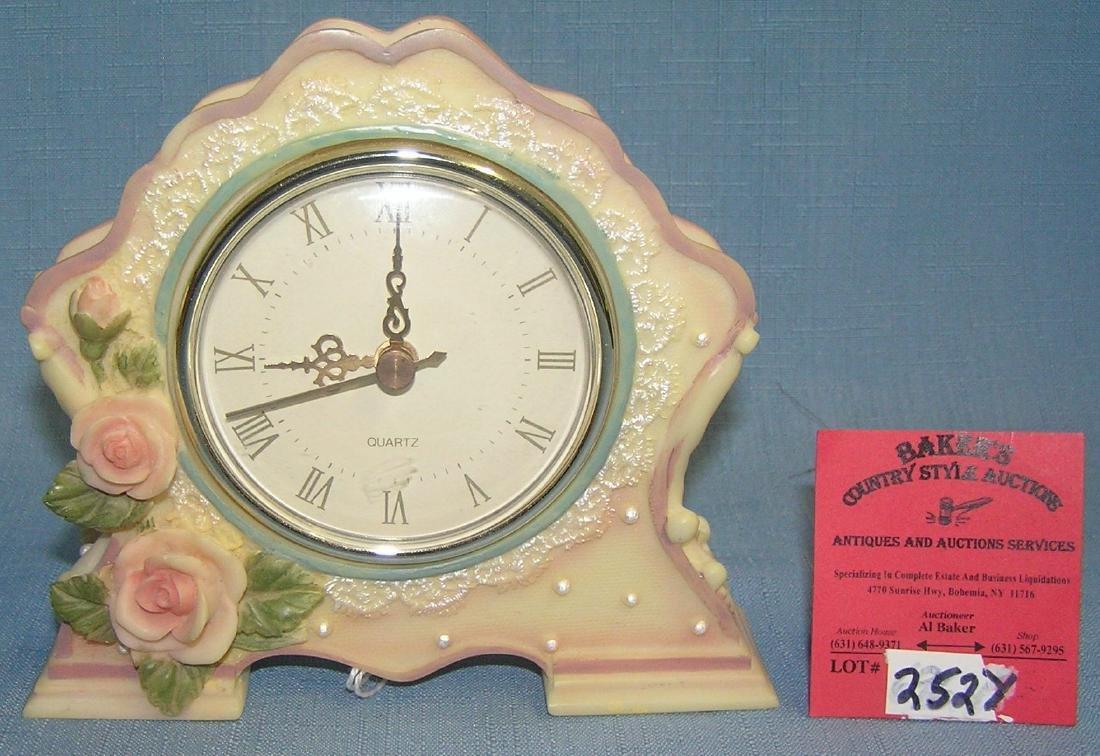 Modern quartz floral decorated vanity clock