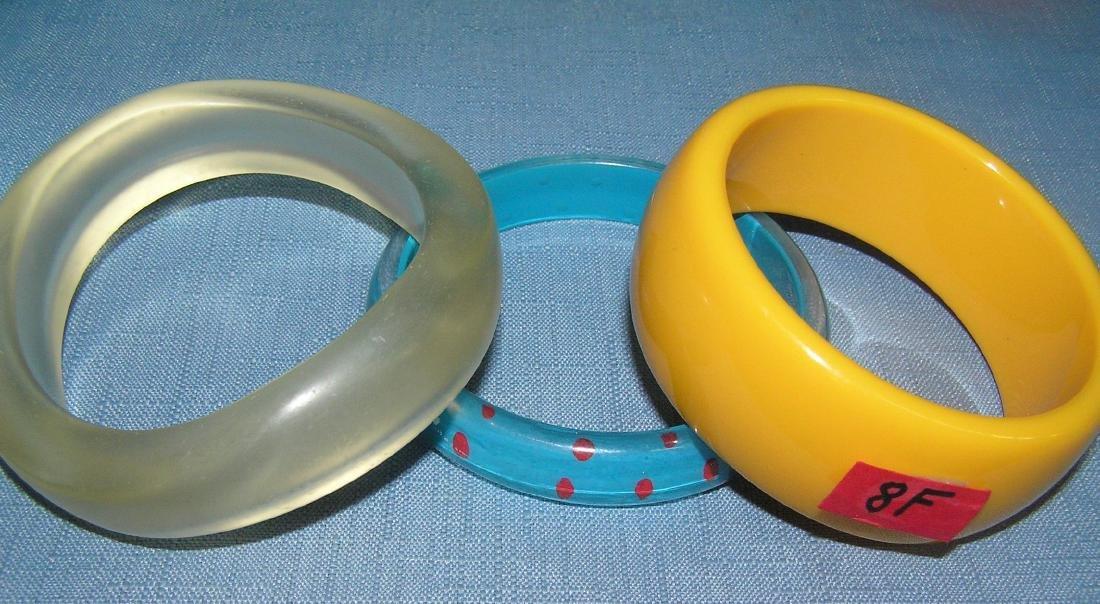 Vintage Bakelite and Lucite bracelets - 6