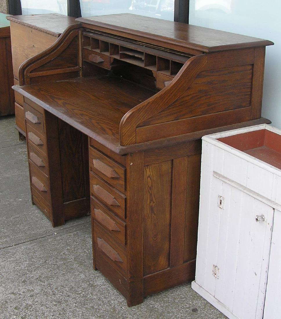 Antique roll top desk circa early 1900's - 2