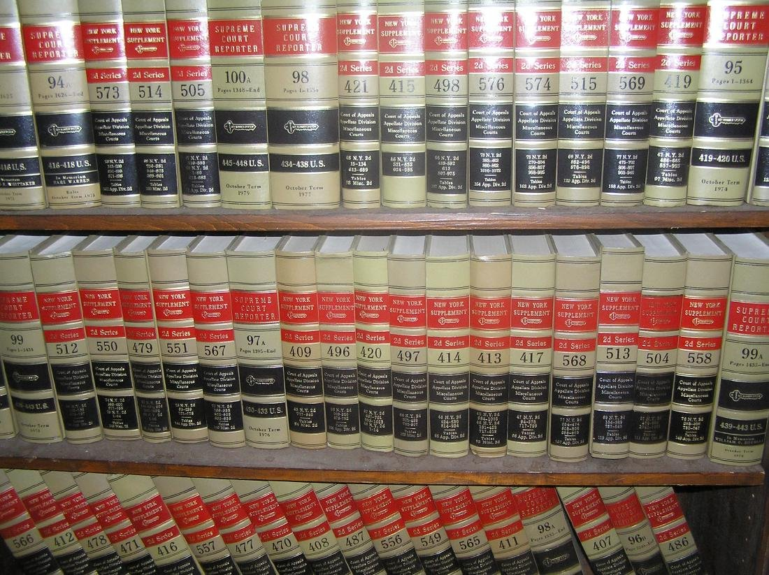 Large collection of law books - 2