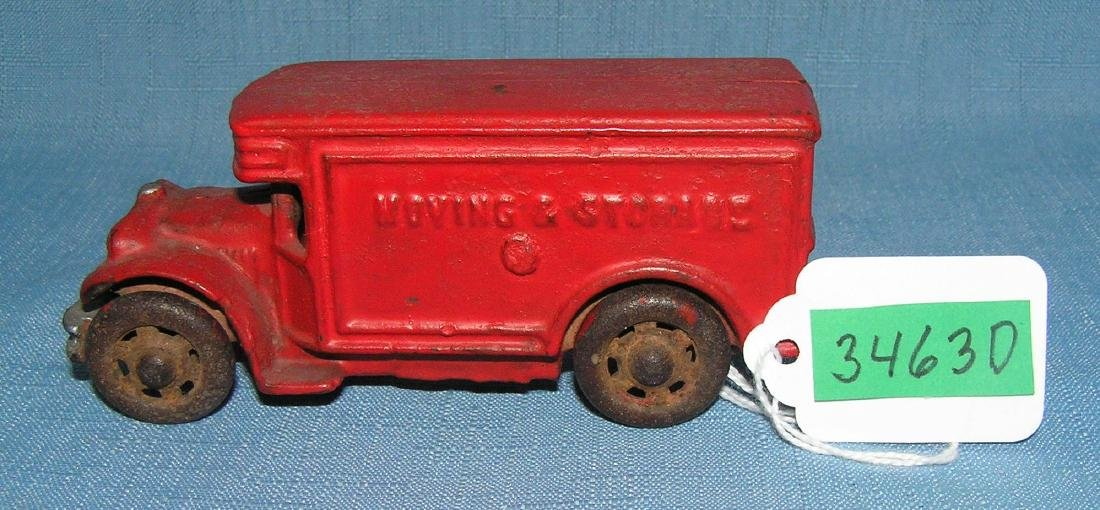 Early moving and storage delivery truck