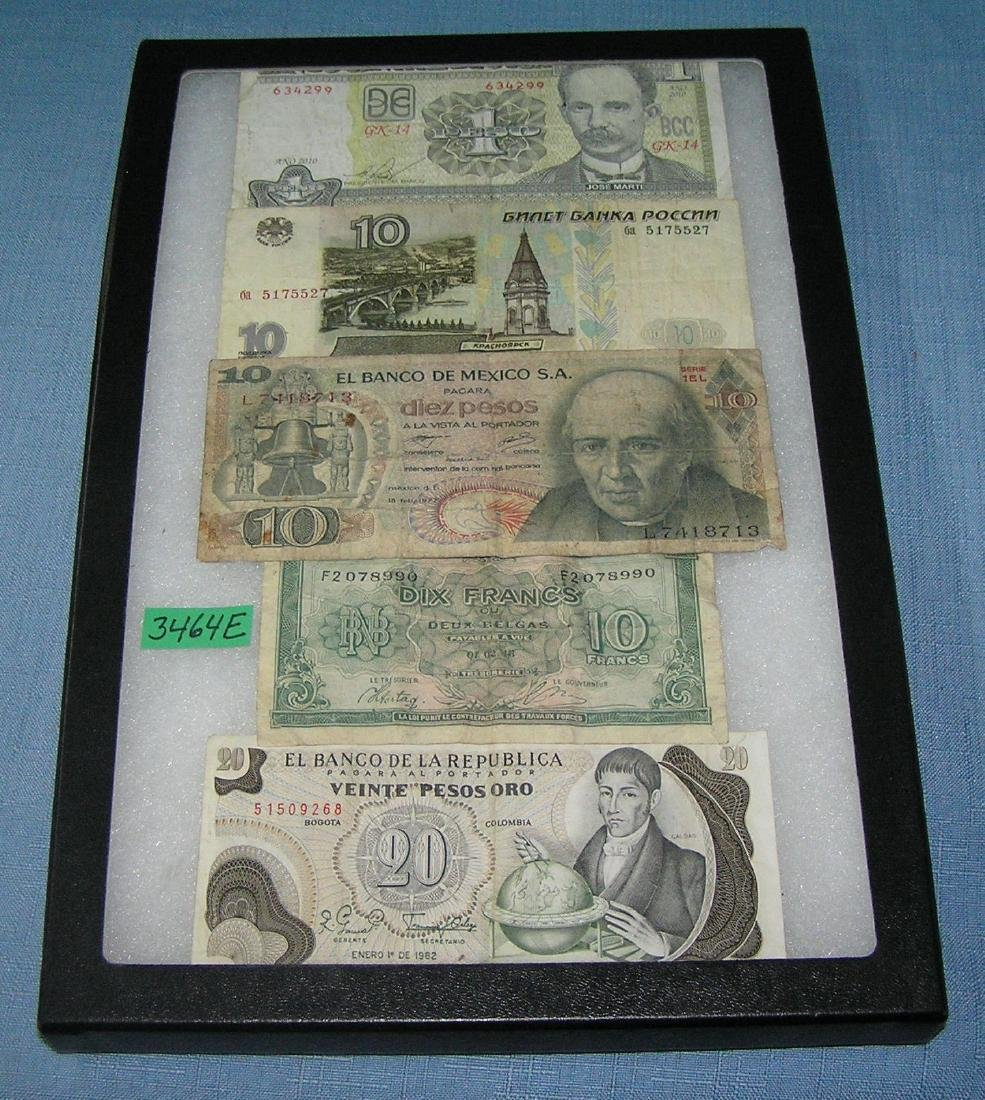 Group of vintage World currency