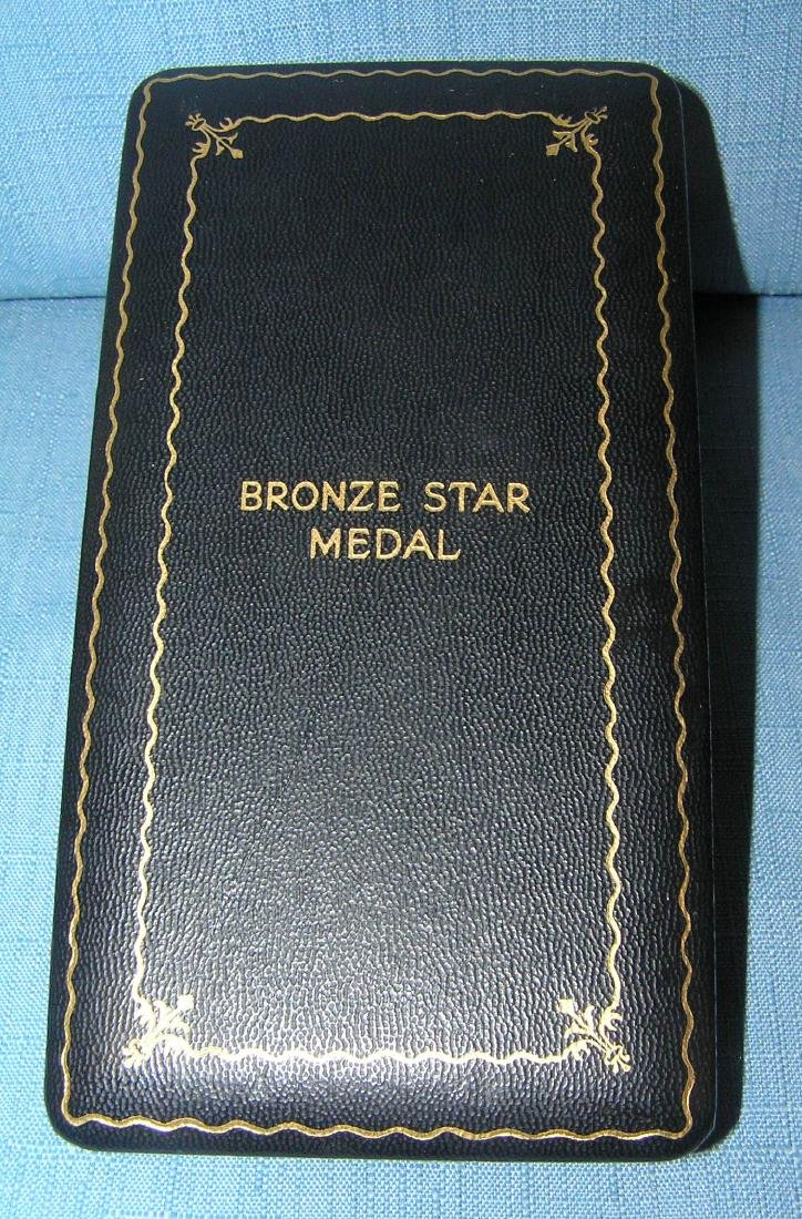 WWII bronze star with slotted brooch - 2