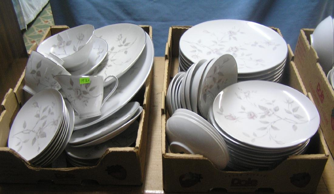 Narumi of Japan fine china dinnerware set - 4