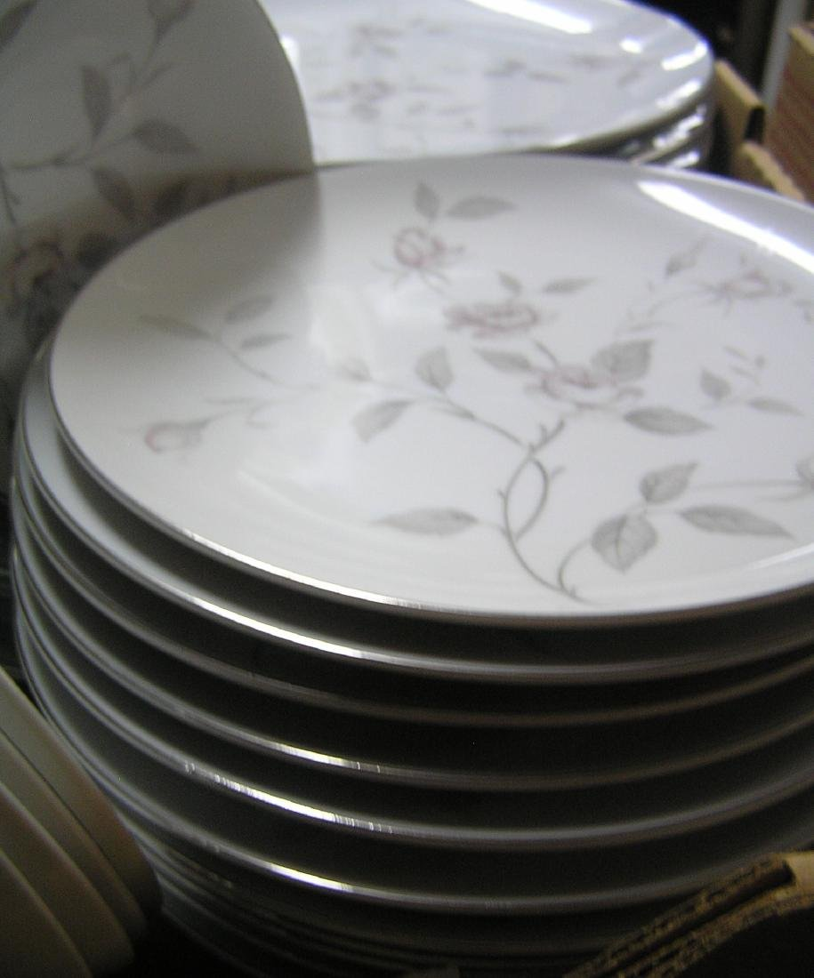 Narumi of Japan fine china dinnerware set - 7
