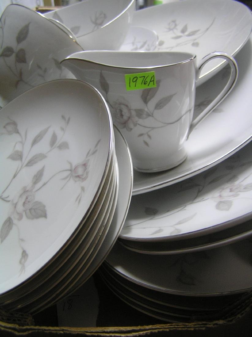 Narumi of Japan fine china dinnerware set - 8