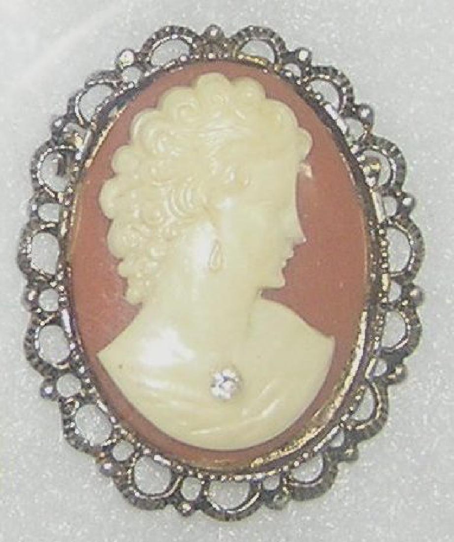 Cameo style pin with semi precious stone