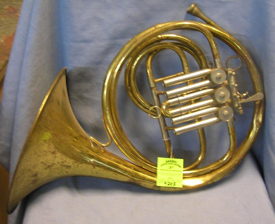 Antique horn instrument