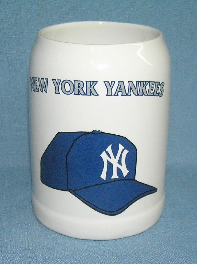 NY Yankees promotional mug