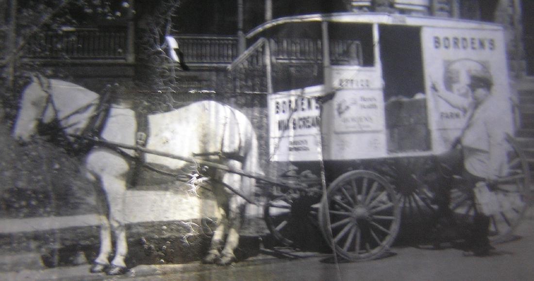Borden Milk horse drawn wagon glass slide - 3