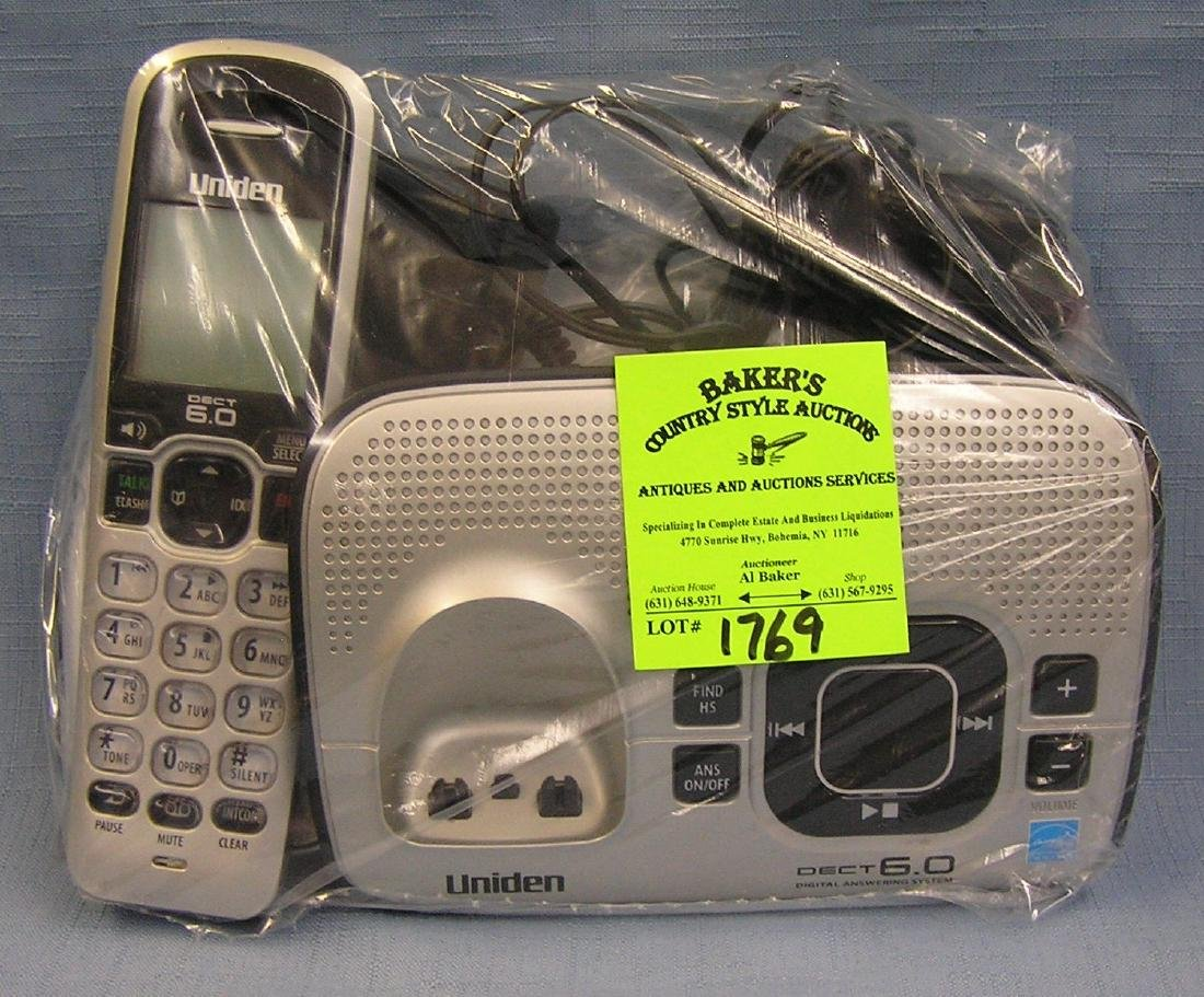 Uniden mobile phone set