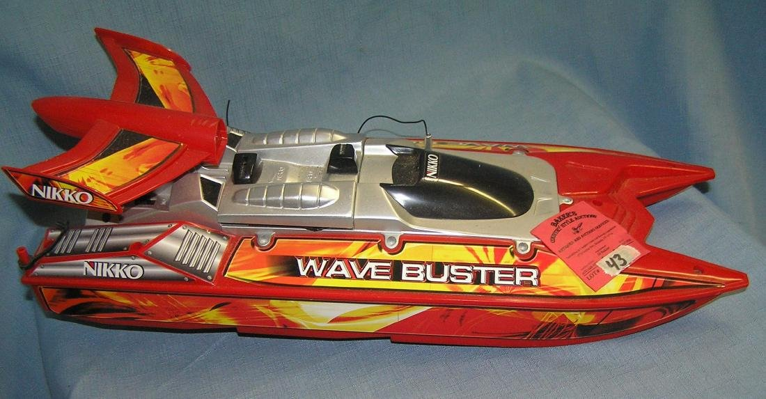 Nikko wave buster battery operated speed boat