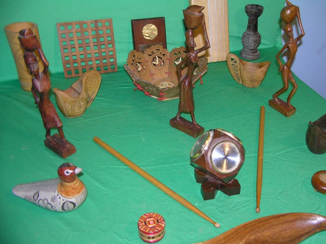 Collection of antique and vintage wood collectibles - 2