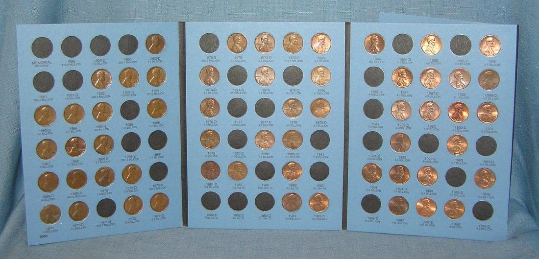 Collection of vintage Lincoln pennies in collectors - 5
