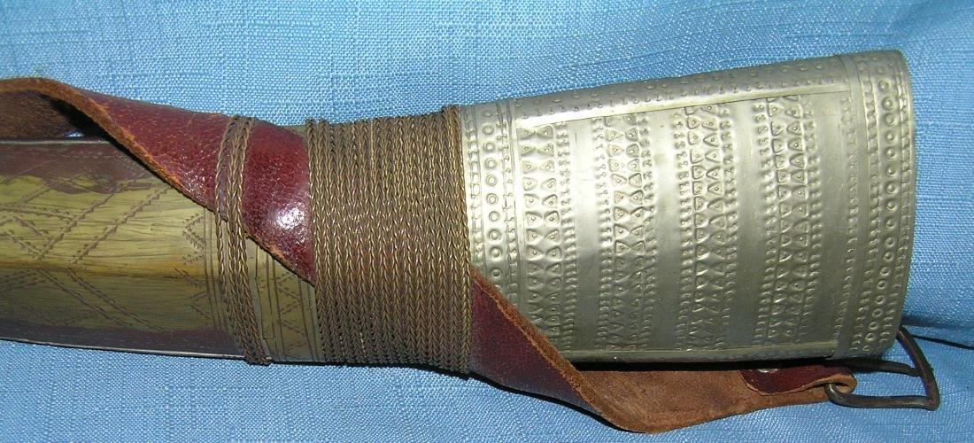 Large antique Arabian fighting dagger - 2