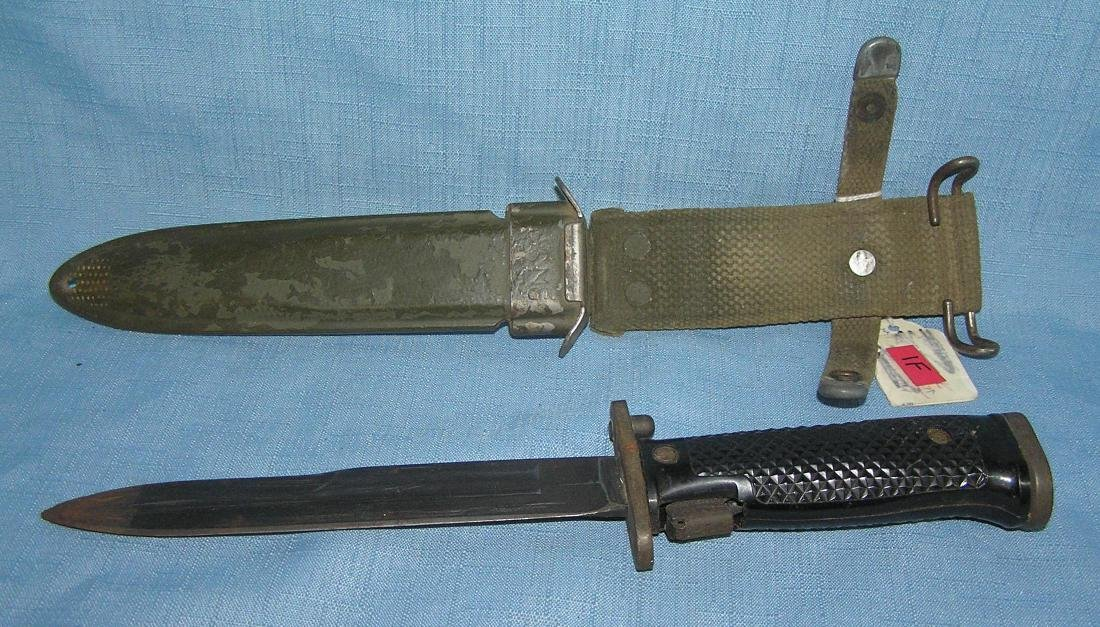 US Marine Corp WWII bayonet with scabbard