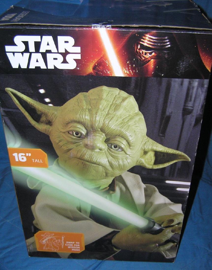 Star Wars oversized Yoda action figure - 2