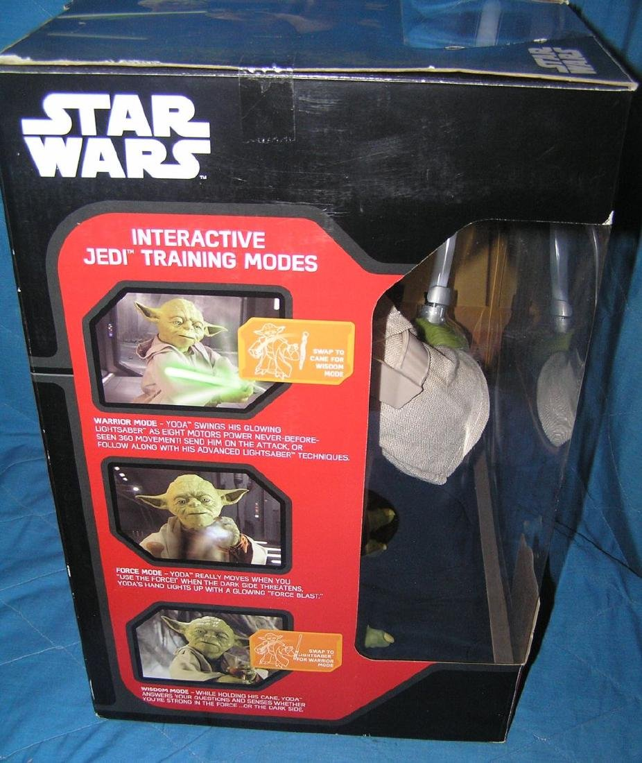 Star Wars oversized Yoda action figure - 3