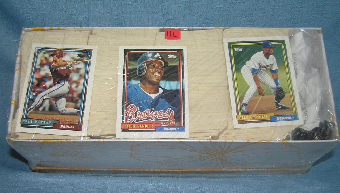 Box of over 1000 baseball cards