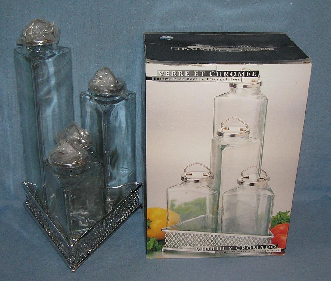 Group of collectible glassware - 2
