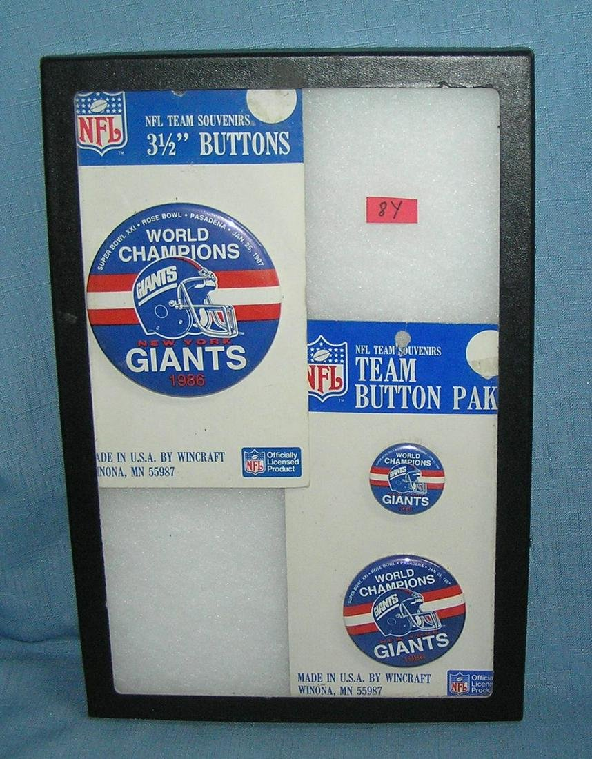 NY Giants world champion pin back buttons