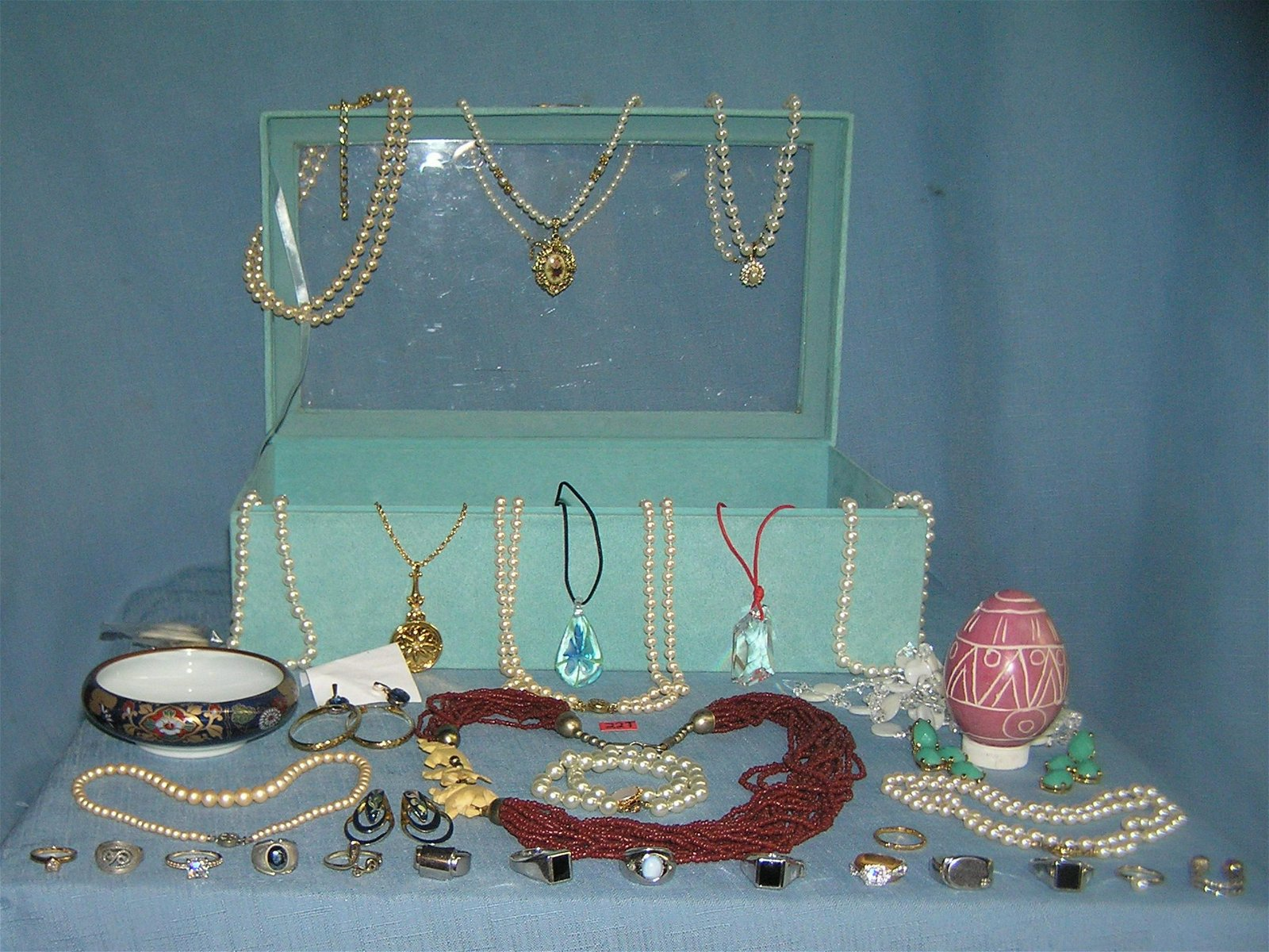 Large collection of vintage jewelry