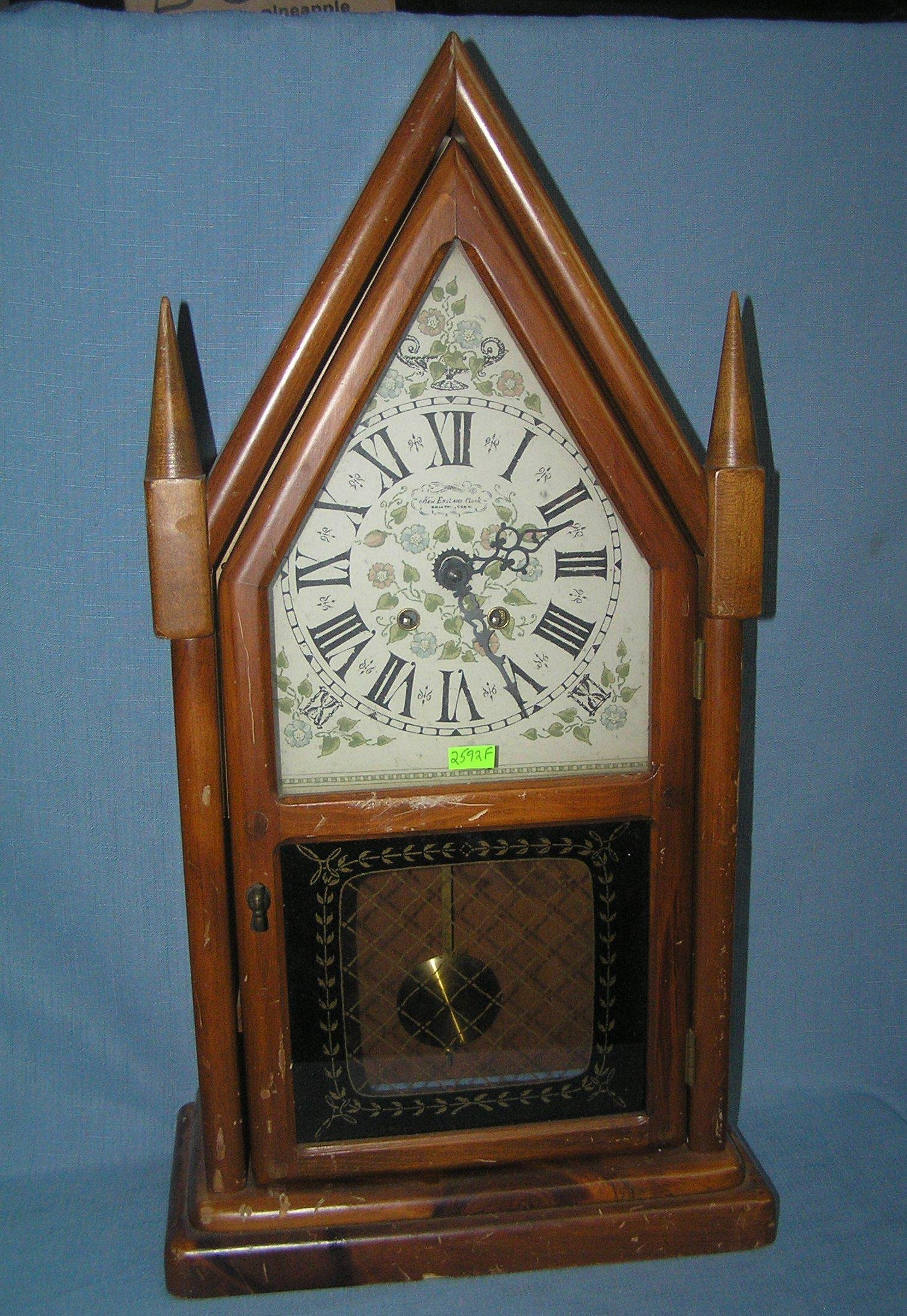 Cathedral style shelf clock