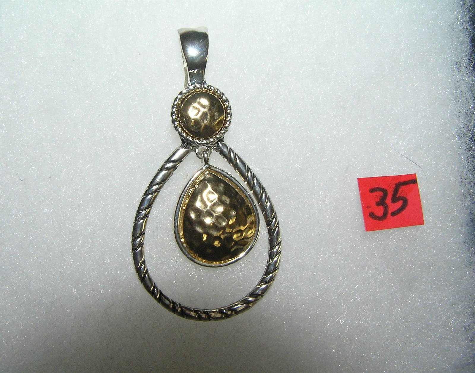 Quality necklace pendant