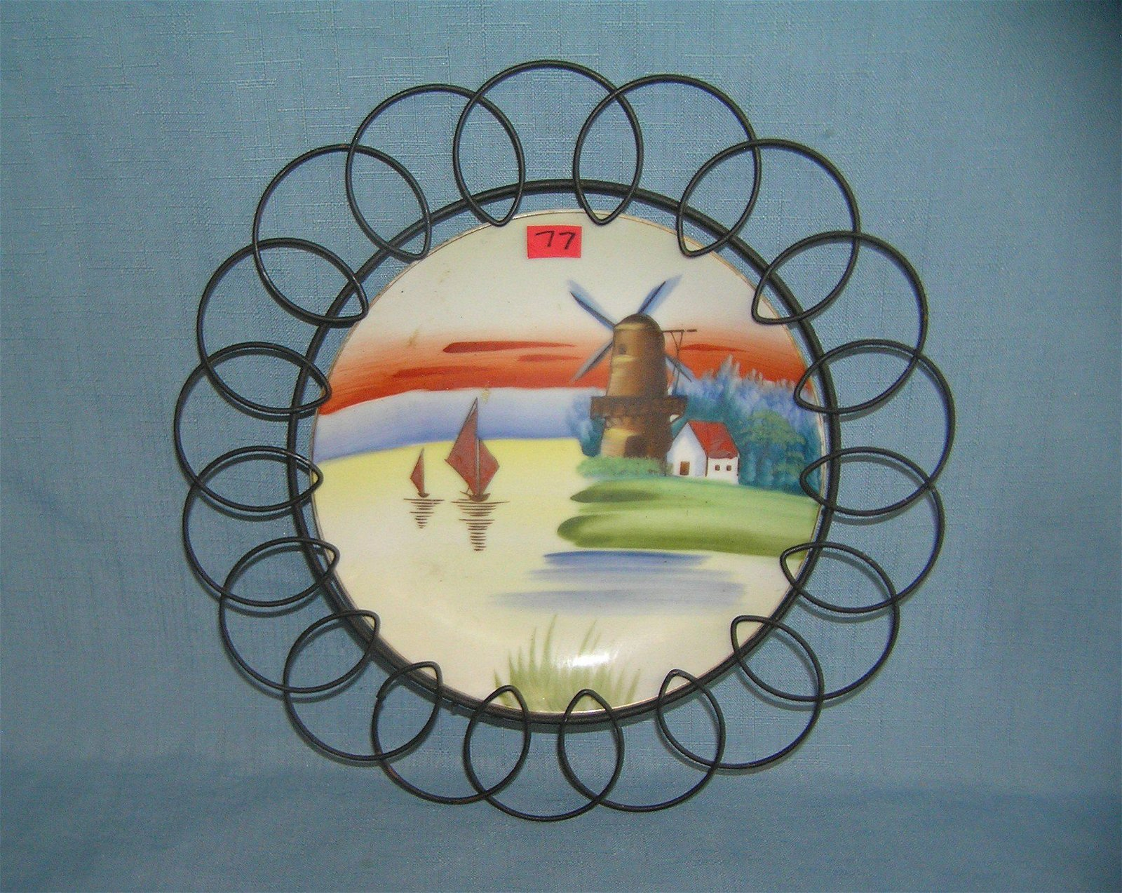 Hand painted porcelain decorative wall plate